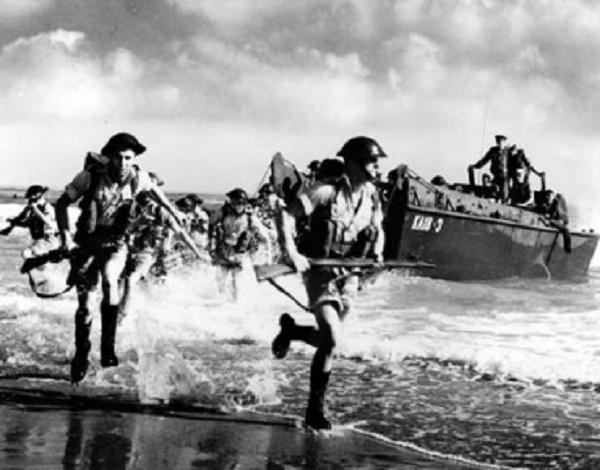 Débarquement-en-Normandie-370x290