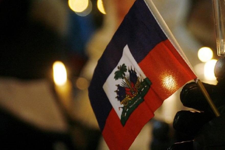 455926-drapeau-national-haitien